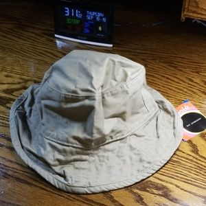 UV 40-50+ rating beach hat. excellent protection